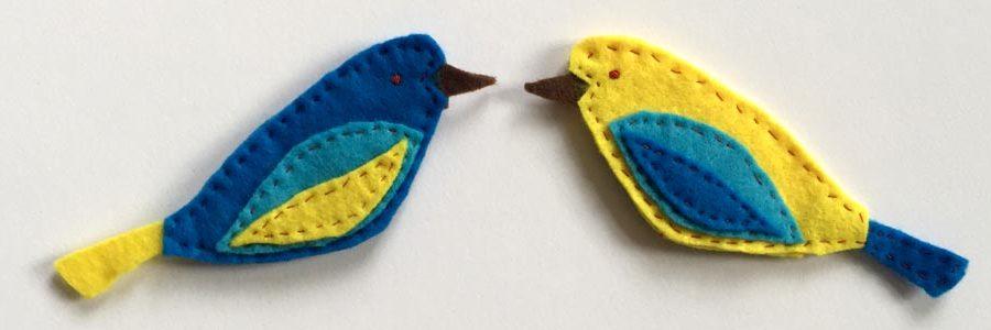 Filz Ornament Vögel nähen, kostenlose Anleitung für die Schnittteile, schöne Vögel aus Filz nähen, Schnittmuster für Vögel aus Filz, Anleitung bunte Vögel nähen,