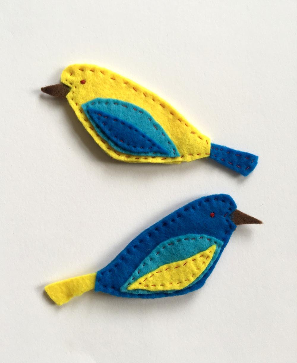 schöne Vögel aus Filz nähen, einfache Näh-Projekte für Anfänger, kostenlose Anleitung Schnittmuster selber zeichnen, Vögel aus Filz nähen, ausführliche Anleitung Filz Ornament,